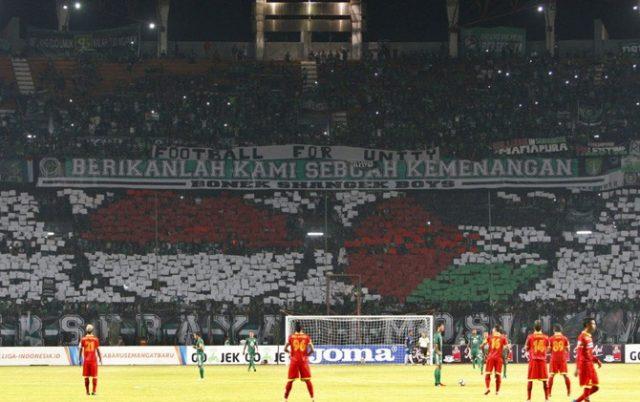 Suporter persebaya dukung Palestina