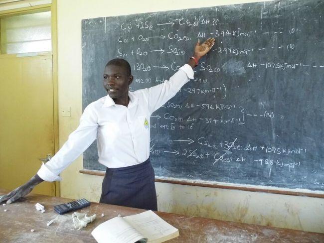 14 Kumpulan Contoh Puisi Perpisahan Sekolah Untuk Guru Sahabat