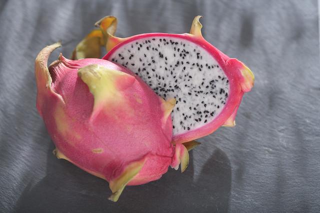 manfaat buah naga merah